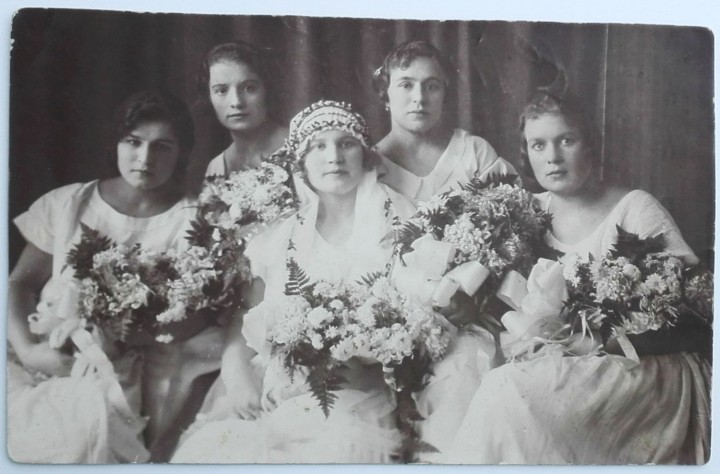 Soviet marriage 1925 Image public domain