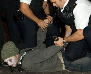 Police brutality at the picket of the Mexican Embassy in London