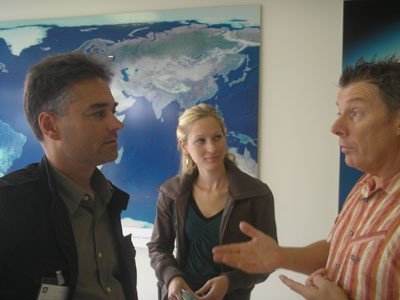 Erik De Bruyn, Elke Heirman and Rudy Kennes, convenor at the GM car factory