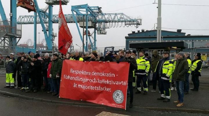 Sweden dockers strike Image Left Voice