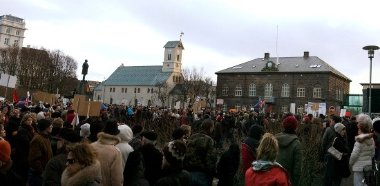 The economic crisis gave rise to redicalisation in Iceland, where thousands of protesters successfully demanded the resignation of the government. Photo by Scarndp on Flick.