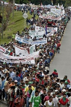 Tens of thousands of indigenous peasants have started a march to El Valle to demand their rights. Photo by C. Ortega.