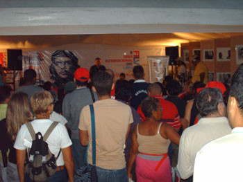 Alan Woods speaking at the Caracas Bookfair