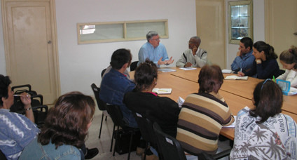 Cuban researchers meet Alan Woods