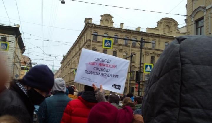 我們的同志和支持者積極參加了在莫斯科、列寧格勒、伊爾庫茨克、下諾夫哥羅德、符拉迪沃斯托克、車裡雅賓斯克等地的集會。//圖片來源:IMT俄國支部