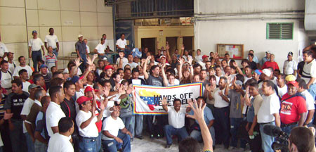Hands Off Venezuela delegation visiting Sanitarios Maracay