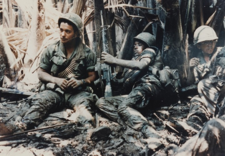 US Army troops taking break while on patrol in Vietnam War Image public domain