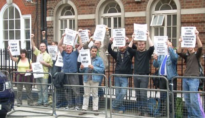 Protest outside Brazilian Embassy in London in support of Cipla and Interfibras workers