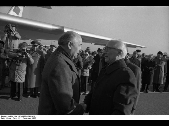 Gorbachev visiting Erich Honecker in 1987. Photo by Peter Koard with permission from Bundersarchiv.