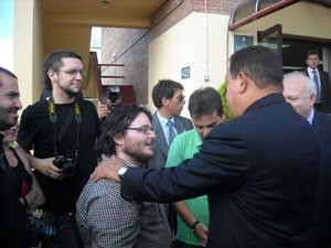 President Chavez Meets with a Delegation of the Spanish Students' Union, Hands Off Venezuela and El Militante (Spain) in Madrid