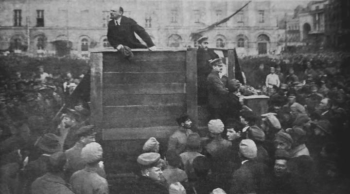 Lenin speaking state Image public domain