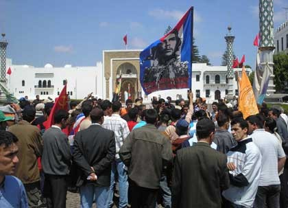 Student youth in Morocco march with workers on May Day
