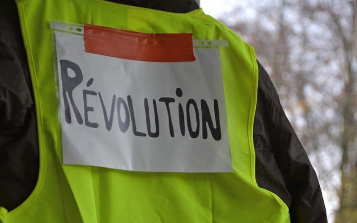gilets jaunes revolution Image fair use