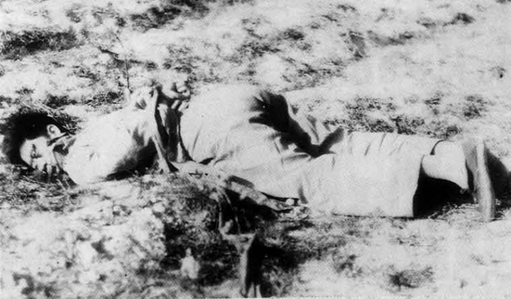 A man executed by the KMT troops during Chiangs counteroffensive Image Wikipedia public domain