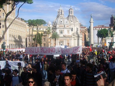Demonstration in Rome, November 14th, 2008. (Photo by Tiziano87 on flickr)