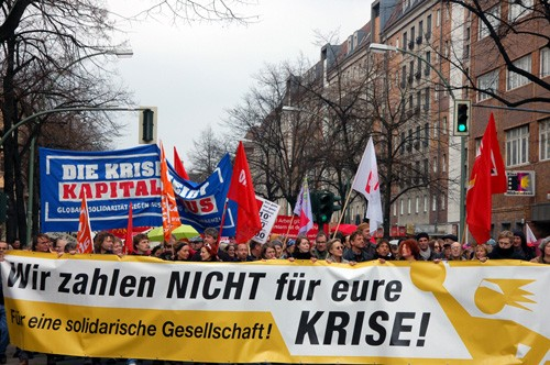 30,000 demonstrators responded to the appeal of the 'We Won't Pay For Your Crisis' alliance in Berlin. Photo by verni22im on flickr.