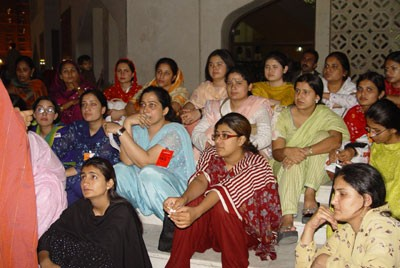 04women_delegates_of_the_congress_02.jpg