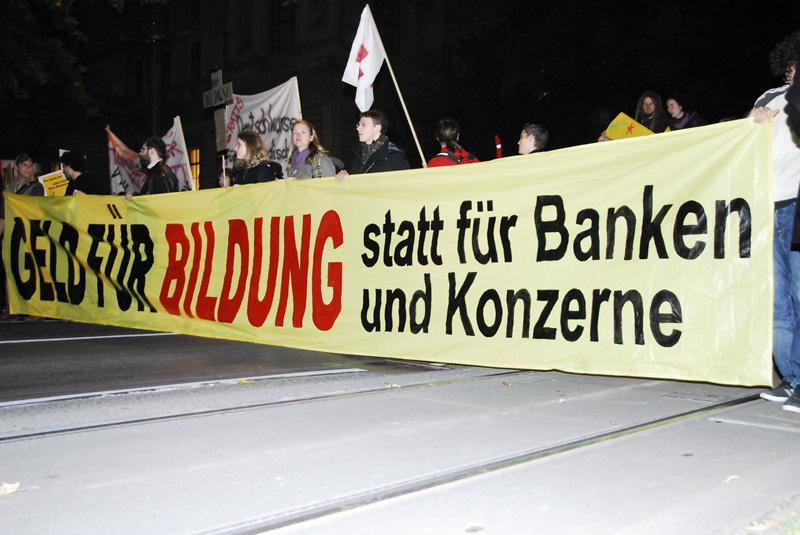 "Demonstration on October 28 in Vienna: ""Money for education not for the banks and big business"". Photo by #unibrennt on flickr."