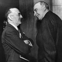 [Image: thumb_White_and_Keynes.jpg]