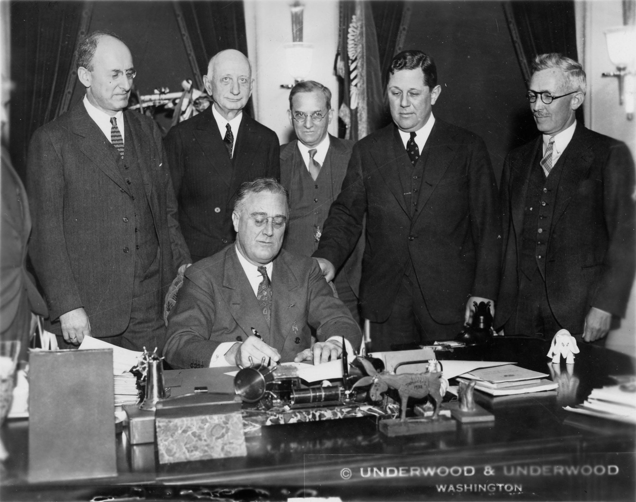 Roosevelt new deal image Federal Reserve Public Domain