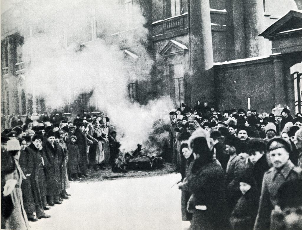 Burning of Tsarist symbols - Public Domain