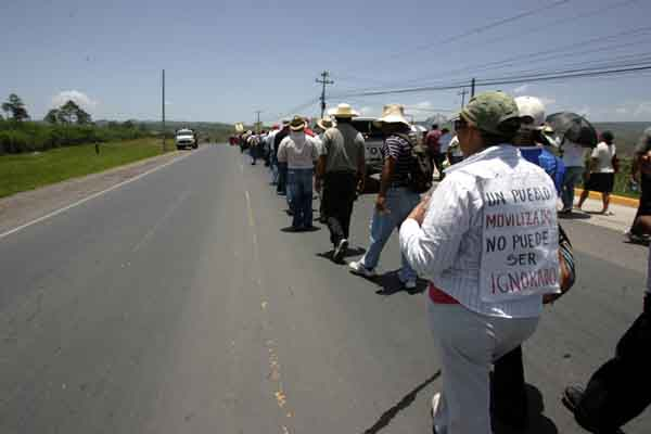 One of the marches on August 10. Photo by indymedia Chiapas.