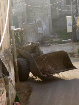 Demolition of homes in East Jerusalem has increased sharply over the last few months and PLO is incapable of organising effective resistance against it. Photo by ISM Palestine.