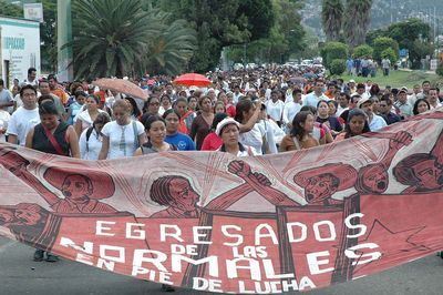 APPO activists protesting against the repression