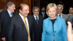 sharif-with-clinton