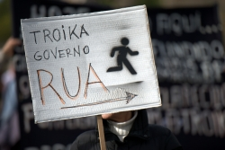 """Troika government out!"" Photo: Bloco"