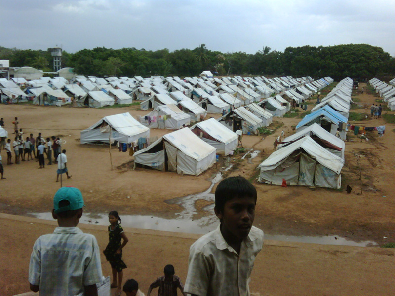 A displaced persons camp in Vavuniya, Sri Lanka. Photo by IRIN.