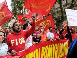 Workers of Pomigliano on October 16 demonstration. Photo: Max Vario