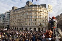 Crowd at Trafalgar Square. Photo: Chris Beckett
