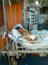 El camarada Moncef Laazouzi en el Centro Hospitalario Universitario de Fez