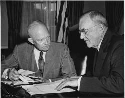 Presidente Eisenhower y John Foster Dulles, 1956