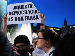 """This Democracy is a farse"", Barcelona, May 19. Photo: Erzsebét"
