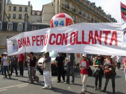 Pro-Humala demonstration in Paris (Photo: Littonoma)