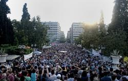 Jun 5, Syntagma Square. Photo: George Ampartzidis