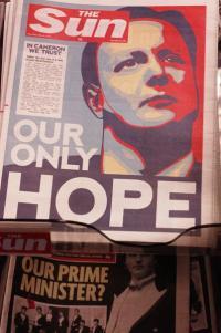 The Sun apoyó la campaña electoral de David Cameron el año pasado. En el titular, con una foto del actual Primer Ministro, se lee