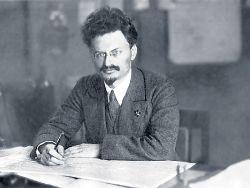 trotsky 1918 desk