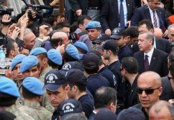 erdogan-defended-riot-gendarme