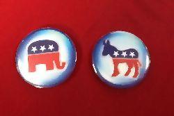 Republicans vs Democrats. Photo: avylavitra