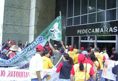FNCEZ takes over FEDECAMARAS headquarters