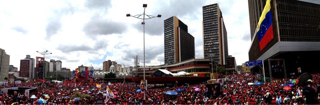 Maduro se inscribe como candidato