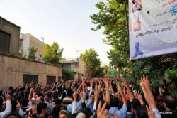 Thousands of people demonstrating outside of a Mosque in Tehran, June 28, 2009. Photo by  Hamed Saber.