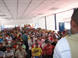 Workers' assembly at MMC Automotriz in support of the 11 SINGETRAM union leaders on September 26
