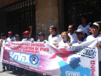 Venezuela: Tras marchar 300 kilometros desde Barcelona los trabajadores de Vivex esperan en Miraflores