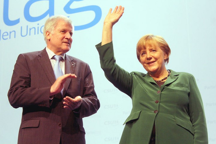 Seehofer Merkel Image Michael Lucan