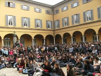 Assembly in the university of Pavia.