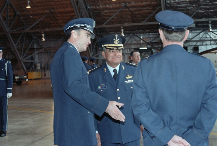 Lieutenant General (LGEN) Miguel Mendoza of the Mexican Air Force (center) is greeted upon his arrival by Air Force Chief of Staff General (GEN) Charles Gabriel (left) and Brigadier General (BGEN) Albert Guidotti, commander, 76th Airlift Division, Military Airlift Command (right).